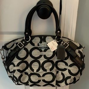 COPY - COACH PURSE NWT